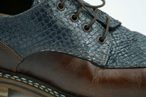 Chaussure confectionnée avec le cuir haut de gamme Casteigt
